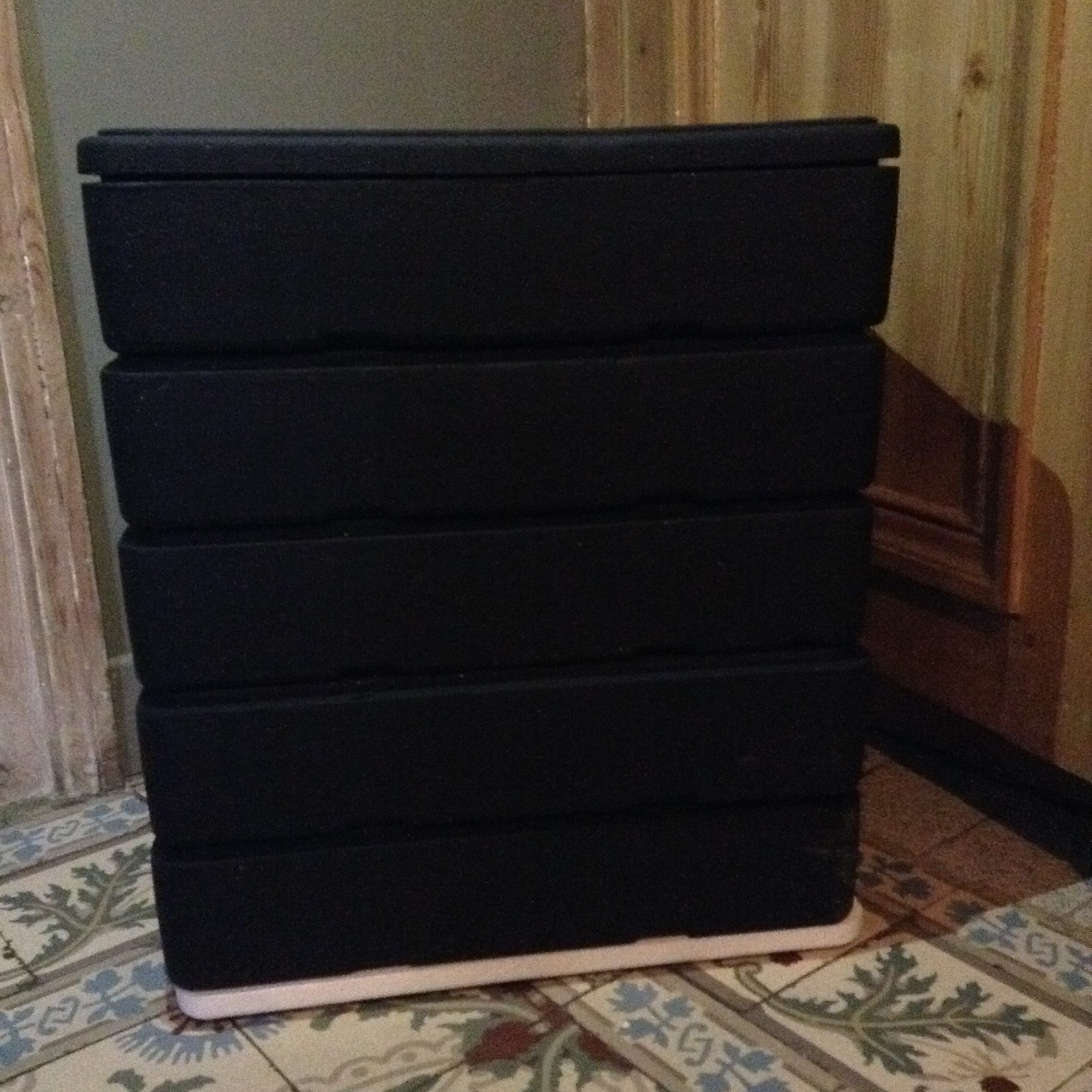 fabriquer un lombricomposteur vermicomposteur d int rieur recyclage b comme nature. Black Bedroom Furniture Sets. Home Design Ideas